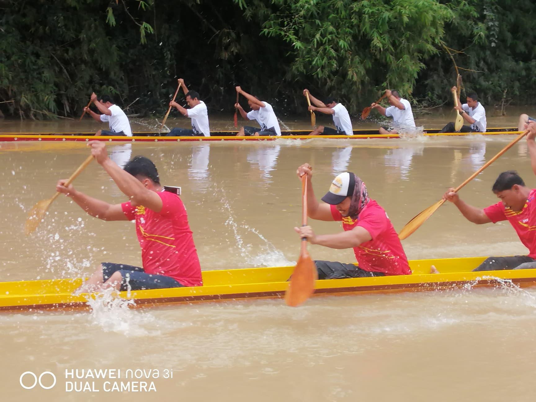 การแข่งขันเรือยาวประเพณี ประจำปี 2563